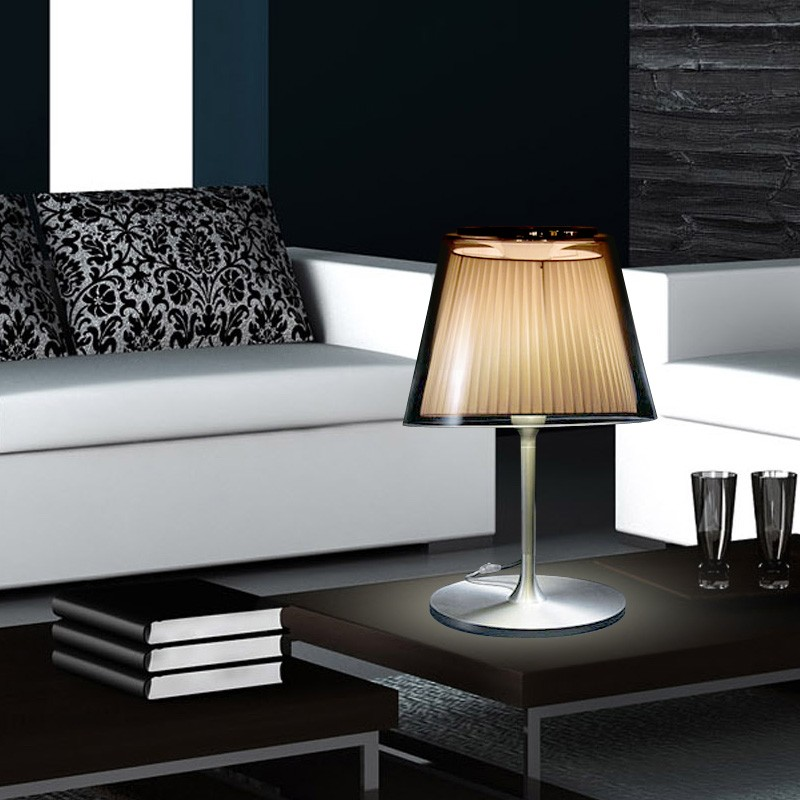 gaga lamp design kowloon tischleuchte wei 60w e27 design klassiker. Black Bedroom Furniture Sets. Home Design Ideas