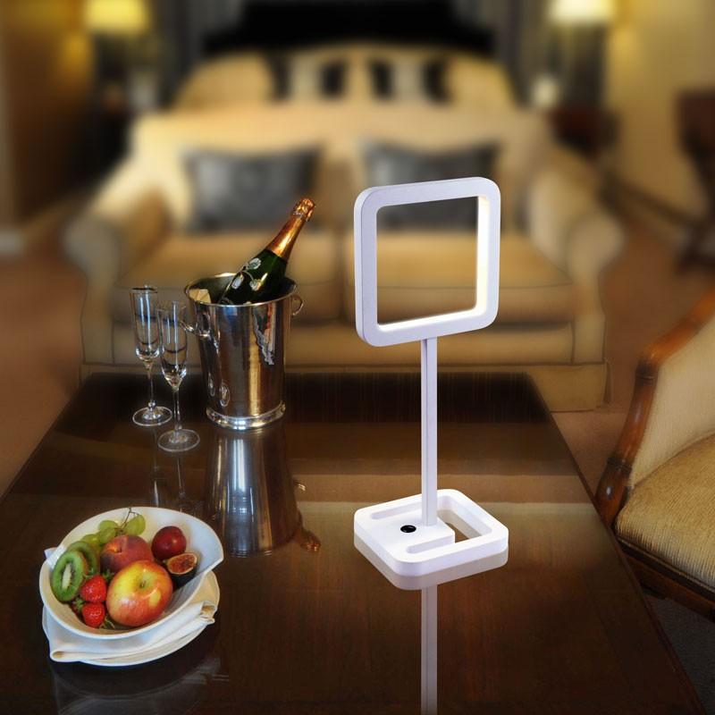 gaga lamp design tsing yi tischleuchte wei 18 x 0 3w led design klassiker. Black Bedroom Furniture Sets. Home Design Ideas